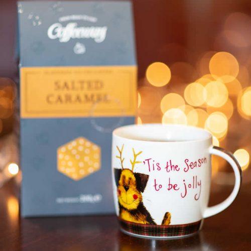 Αρωματικός καφές φίλτρου Salted Caramel 200g & Xmas Mug Λ.Τ. 19,10€